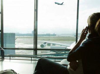 Πήρε το αεροπλάνο για να κάνει έκπληξη στη φίλη του και όλα πήγαν στραβά (pics)