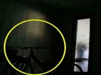 Κάμερα ασφαλείας καταγράφει μια σκιά – Αυτό που συμβαίνει λίγο μετά είναι σοκαριστικό (Video)