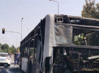 Βίντεο ντοκουμέντο: Η στιγμή που λεωφορείο του ΚΤΕΛ Σερρών τυλίγεται στις φλόγες