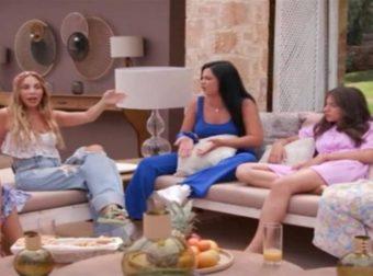 The Bachelor: Η σκηνή ντροπή που βγήκε στον αέρα και έκανε μέχρι και τον Παππά να κοκκινήσει!